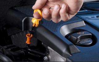 Проверка уровня моторного масла